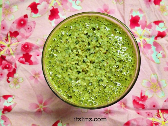 green smoothie hemp hearts
