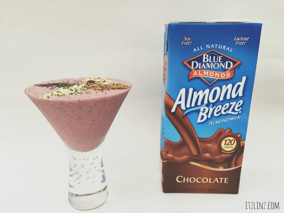 healthy strawberry chocolate smoothiebluediamond
