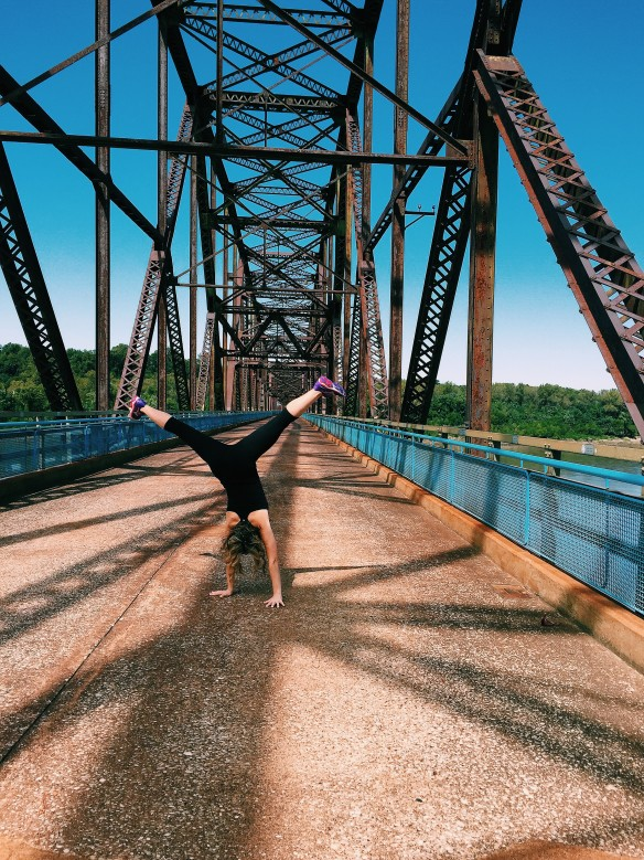 chain rocks bridge cartwheel