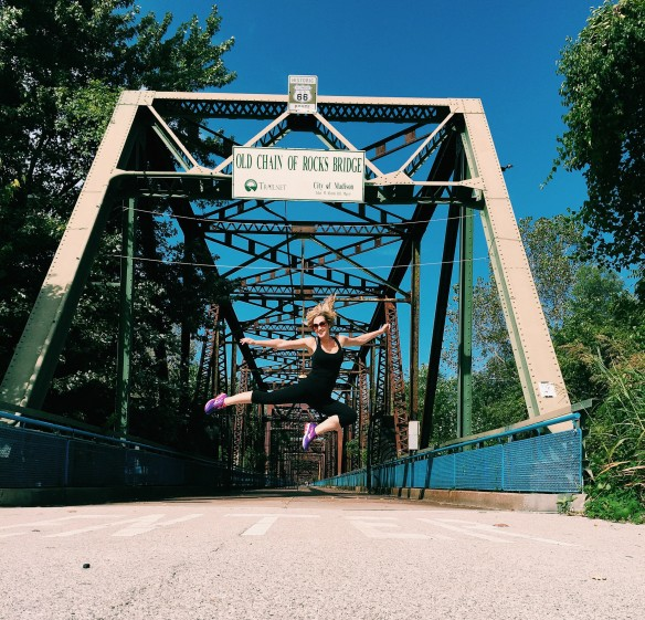 chain rocks bridge jump