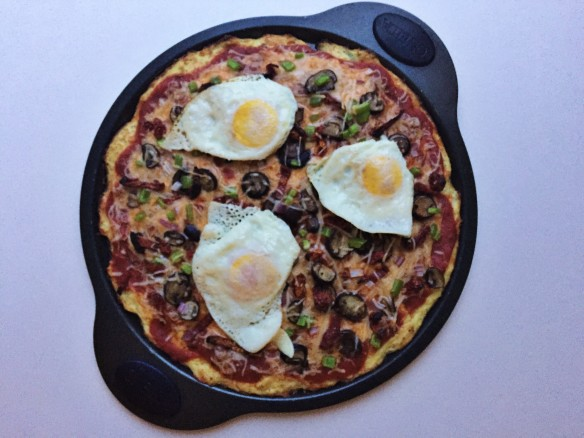 ultimate fried egg veggie pizza cauliflower crust